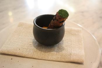Onion bhaji, yoghurt & mango chutney