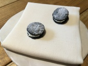 Storeo - Squid ink cookie with smoked eel mousse