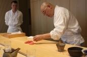Araki-san preparing sushi