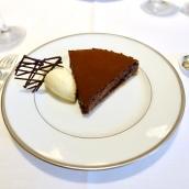 Tarte fine sablée au cacao amer, crème glacée à la vanille Bourbon